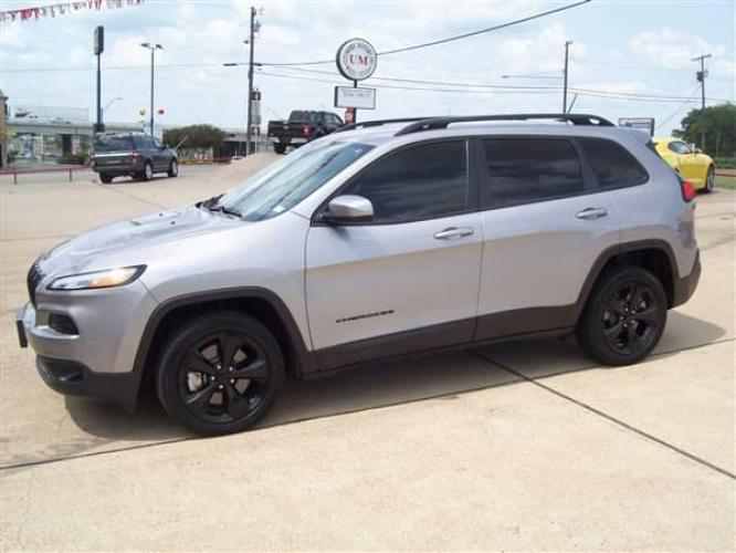 2018 GRAY Jeep Cherokee Latitude FWD (1C4PJLCX9JD) with an 3.2L V6 DOHC 24V engine, 9A transmission - Photo #0
